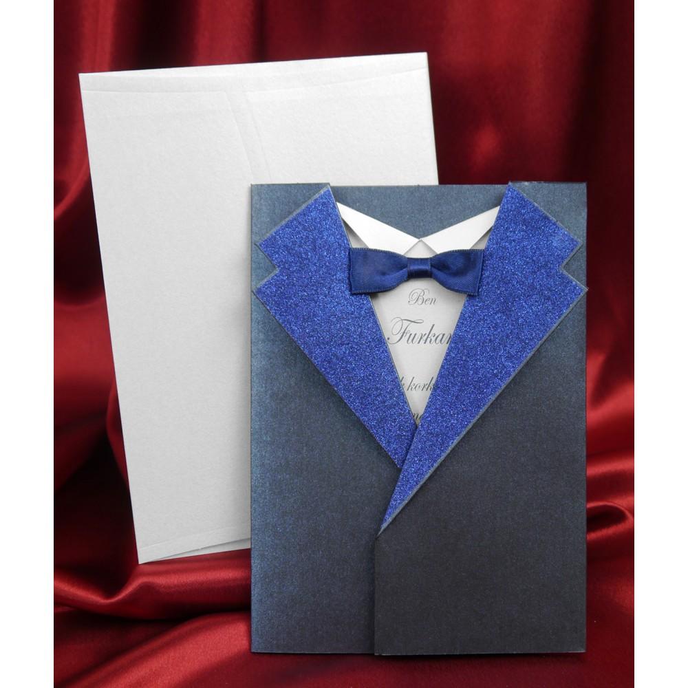 Invitatie botez costum bleumarin si papion