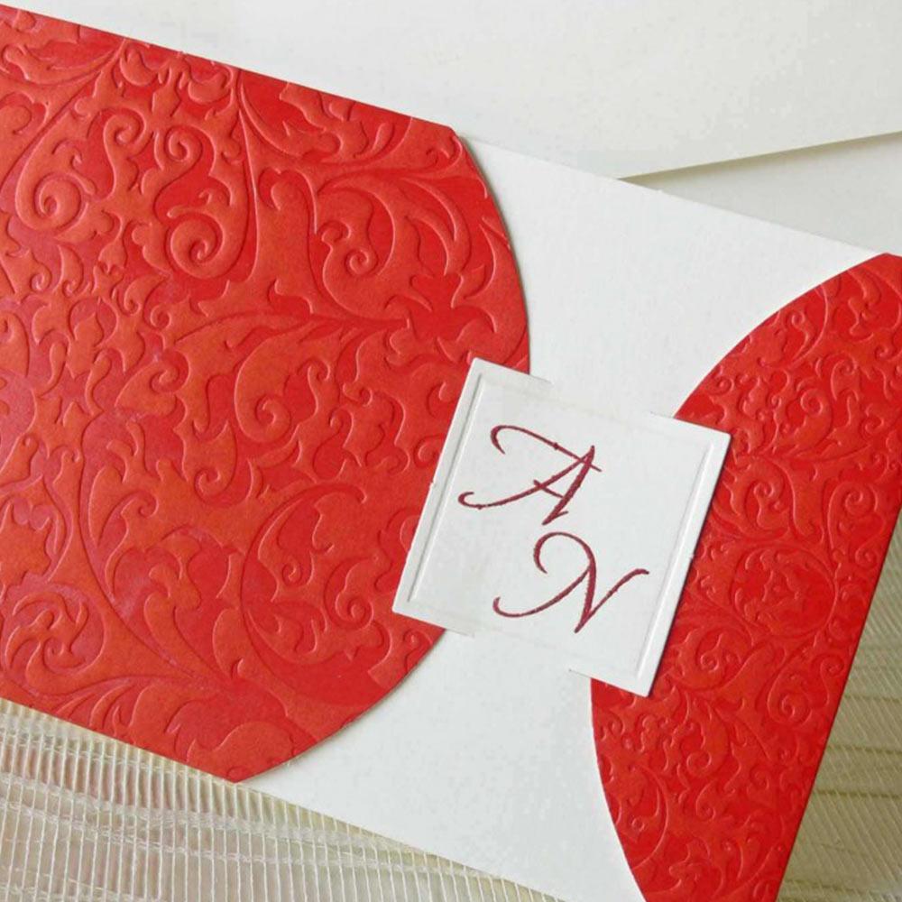 Invitatie nunta rosie cu model embosat