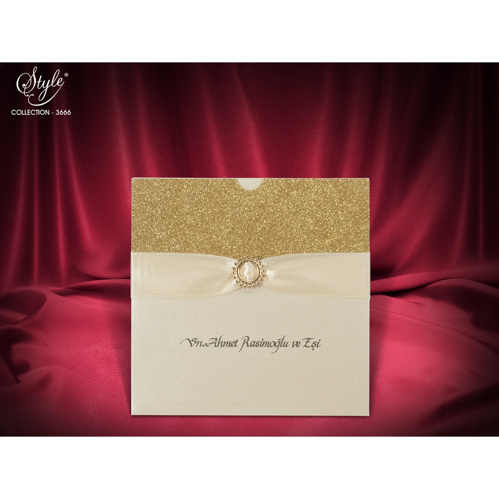 Invitatie eleganta aurie cu panglica crem deschis